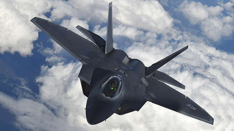Un caza de sigilo F-22 Raptor