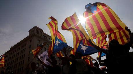 Banderas independentistas catalanas en una manifestación en Barcelona, el 3 de octubre del 2017.