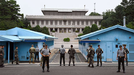 Soldados de Corea del Sur y EE.UU. en un pueblo en la frontera entre las dos Coreas, 27 de julio de 2017.