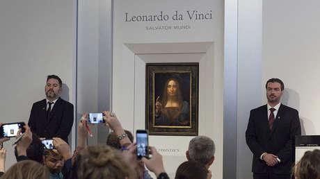 La pintura 'Salvator Mundi', de Leonardo da Vinci, expuesta para los medios en la casa de subastas Christie's en Nueva York, el 10 de octubre de 2017.
