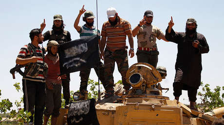 Militantes del Frente al Nusra en la provincia siria de Idlib en 2014.