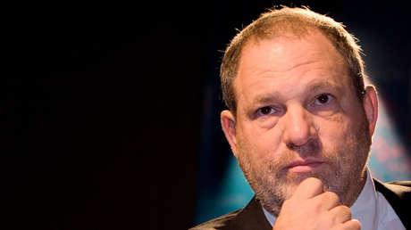 El productor Harvey Weinstein inicia una conferencia en el Festival de Cine Internacional de Medio Oriente, en Abu Dhabi, Emiratos Árabes unidos, el 15 de octubre de 2007.