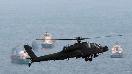 Un helicóptero de ataque Apache AH-64D de las Fuerzas Armadas de Singapur.