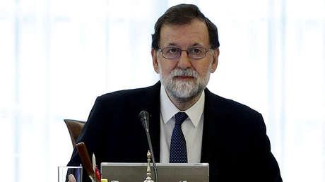 El primer ministro de España, Mariano Rajoy, encabeza una reunión extraordinaria del Consejo de Ministros en el Palacio de la Moncloa en Madrid, España, el 21 de octubre de 2017.