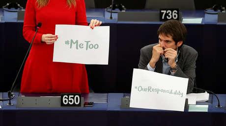 Los europarlamentarios Terry Reintke y Ernest Urtasun durante un debate sobre acoso sexual, 25 de octubre de 2017.
