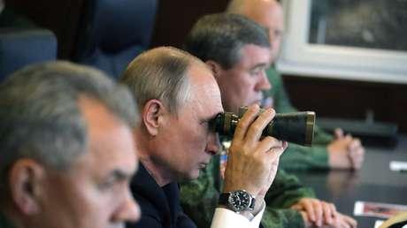 Putin supervisa las acciones de las Fuerzas Armadas durante los ejercicios estratégicos Západ-2017, el 18 de septiembre de 2017.