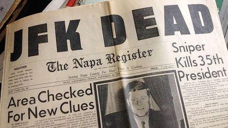 El diario 'The Napa Register' informa sobre la muerte de John F. Kennedy, 22 de noviembre de 1963.