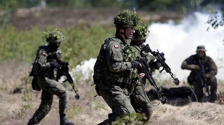 Efectivos del Ejército polaco durante unas maniobras de la OTAN en Letonia.