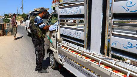 Extremistas de Jaish al Fatah ocupan un puesto de control, Idlib, Siria, 18 de julio de 2017.