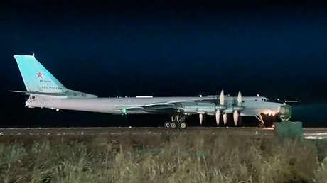 Un bombardero estratégico TU-95MS de la Fuerza Aérea rusa