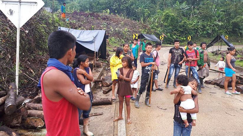 Foto impactante: La Policía colombiana reprime una protesta indígena