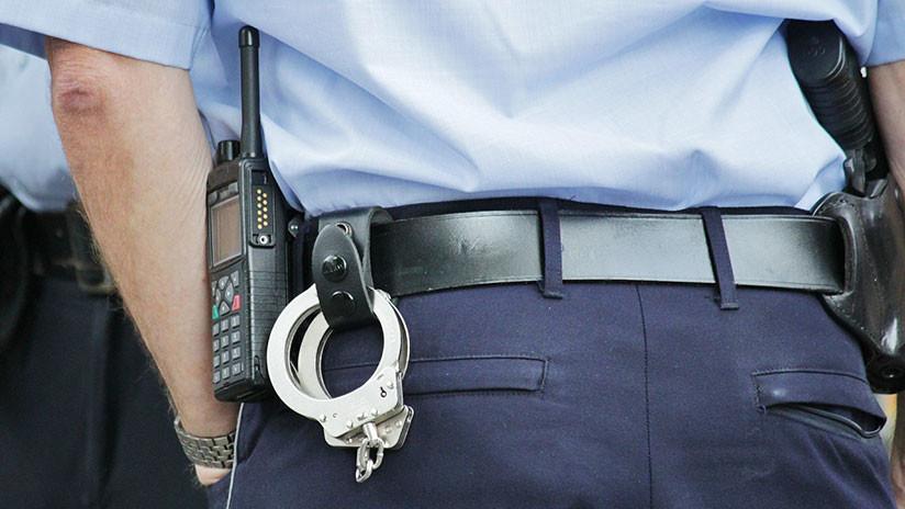 Acusan a dos inspectores policiales de Nueva York de esposar y violar a una joven de 18 años