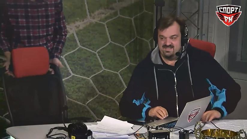 """""""No intenten repetirlo"""": Un comentarista 'rompesillas' se cae durante la retransmisión de un partido"""