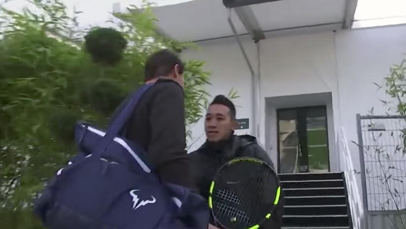 """""""¿Quién es usted?"""": Guardia no reconoce a Rafael Nadal y casi le impide entrenar en París (VIDEO)"""