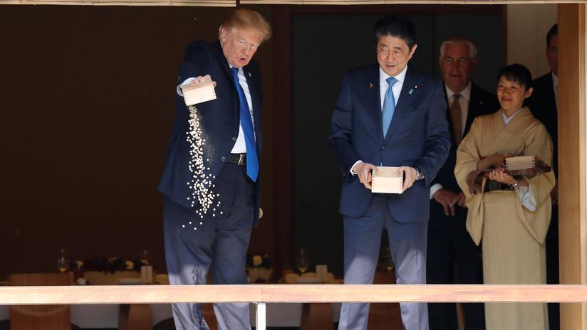 Twitter se mofa de las habilidades de Trump para alimentar a los peces