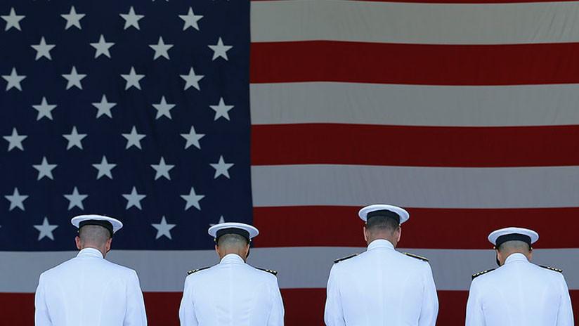 Otros 60 almirantes de EE.UU. son acusados de cambiar secretos militares por prostitutas