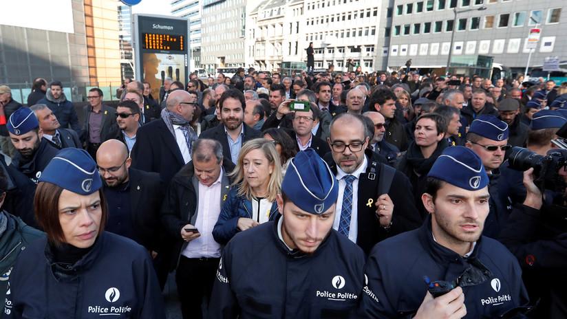 """Puigdemont a la UE: """"¿Continuaréis ayudando al señor Rajoy en este golpe de Estado?"""""""