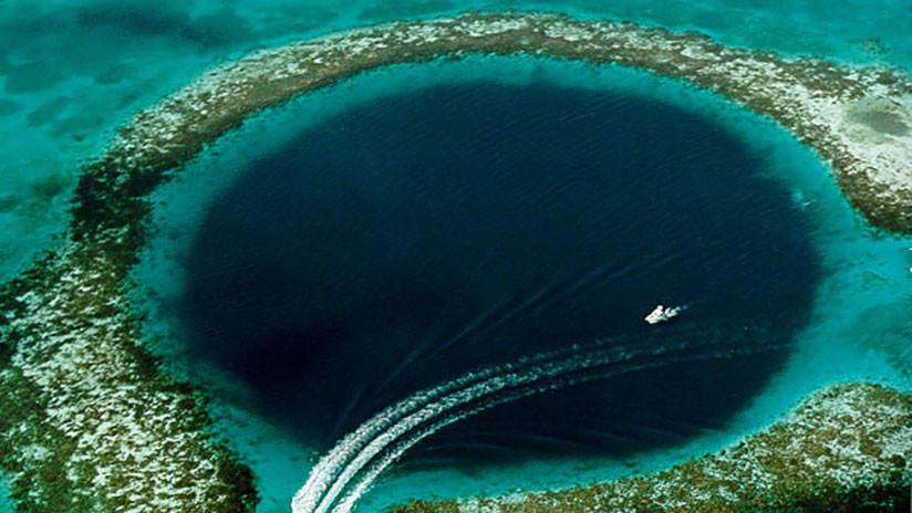 Revelan qué oculta el agujero azul de la costa de Australia