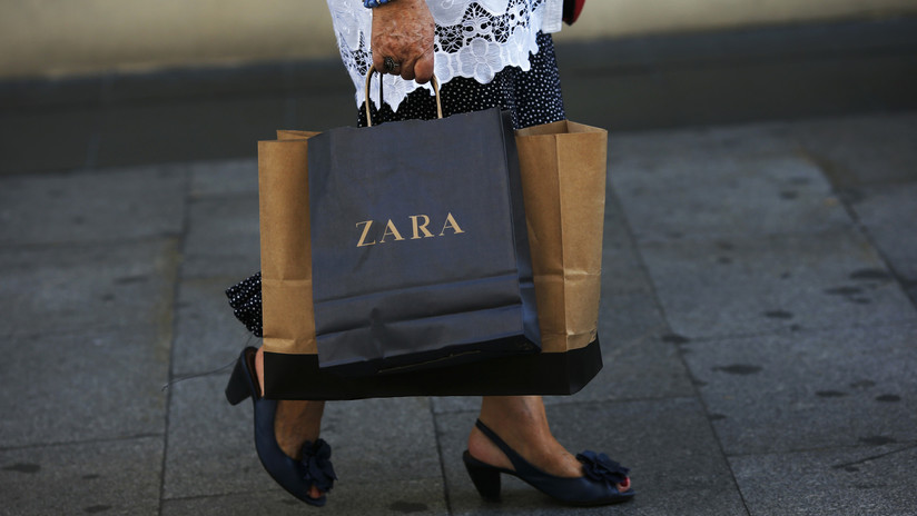 Empleados de Zara esconden mensajes en la ropa en protesta por sus precarias condiciones laborales