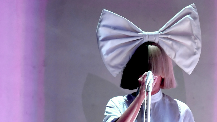La cantante Sia revela una foto suya desnuda al saber que un 'paparazzi' la vendía en la Red