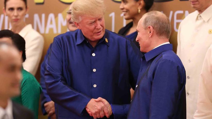 VIDEO: Cálido apretón de manos entre Trump y Putin en medio de las tensiones entre Rusia y EE.UU.