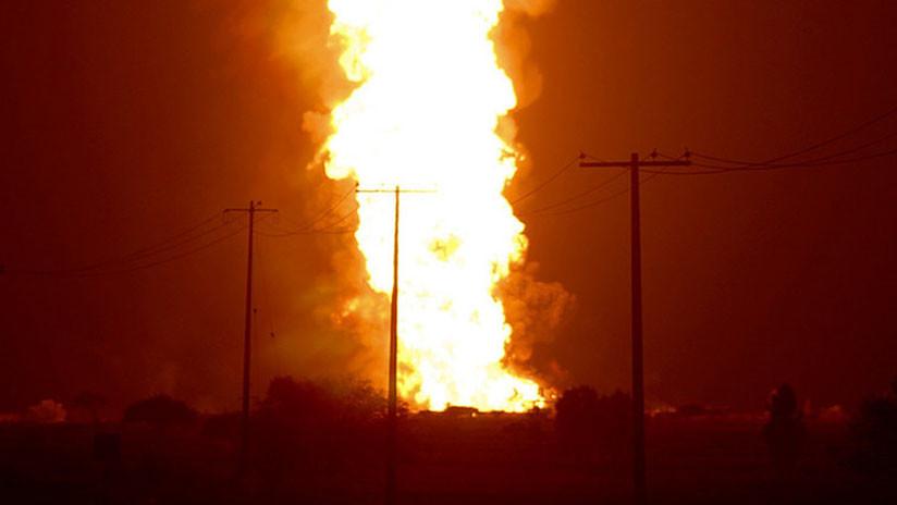 Un oleoducto explota y levanta una enorme columna de fuego en Baréin (VIDEOS)