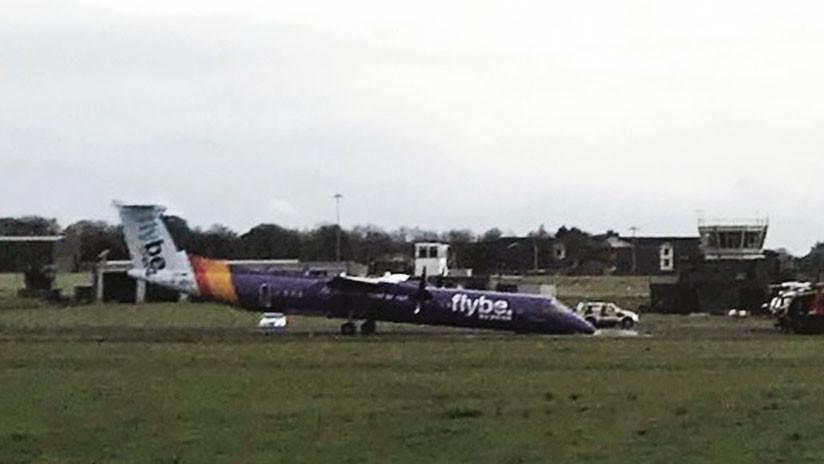 IMÁGENES IMPACTANTES: Un avión aterrizó por emergencia 'de nariz' y sin tren delantero