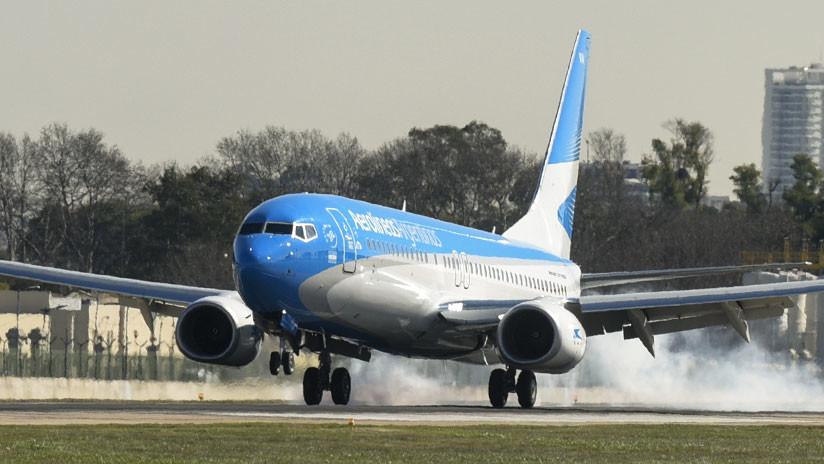 """""""Le pegamos con la nariz"""": un avión choca con un dron en el aeropuerto de Buenos Aires (AUDIO)"""