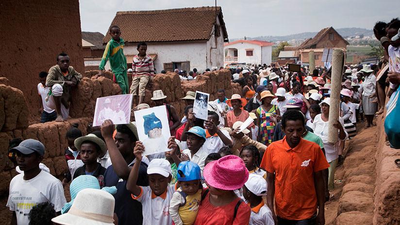 Un brote mortal de peste que aterroriza África puede mutar y volverse intratable