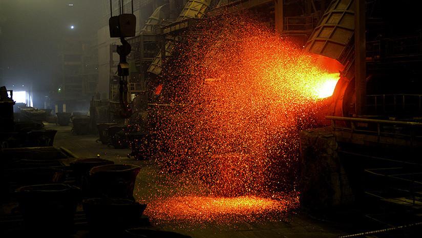 Construyen en Rusia un alto horno ecológico para fundir chatarra con un reactor a burbujas
