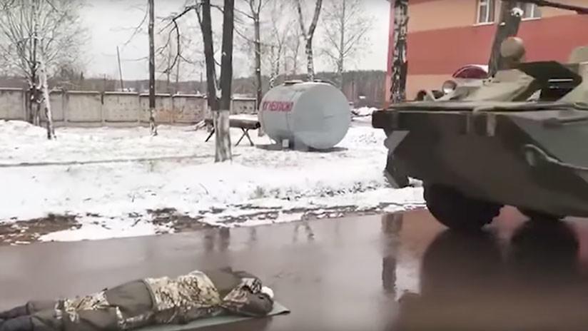 VIDEO: Futuros gobernadores rusos bajo las ruedas de los tanques