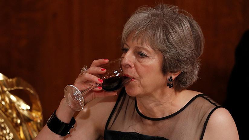 Moscú recomienda a Theresa May vino de Crimea para quitarse la amargura (tuit)