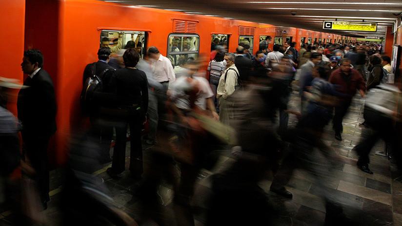 FOTOS: Un bebé nace en una estación de metro de la Ciudad de México
