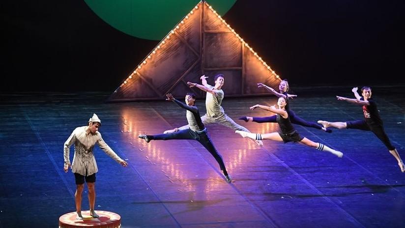 Como en primera fila: El ballet ruso 'Petrushka' en 360°