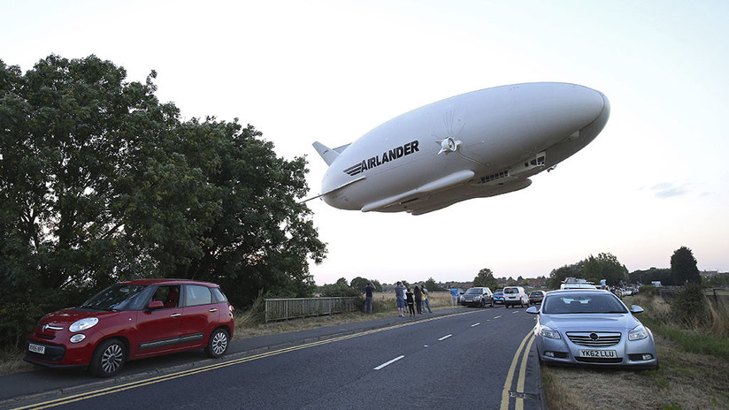 FOTOS: Se estrella el dirigible más grande del mundo