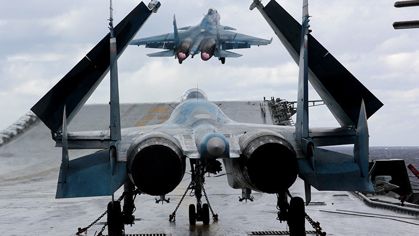 Mando naval: Más de dos decenas de cazas rusos embarcados Su-33 y MiG-29K se estrenan en Siria