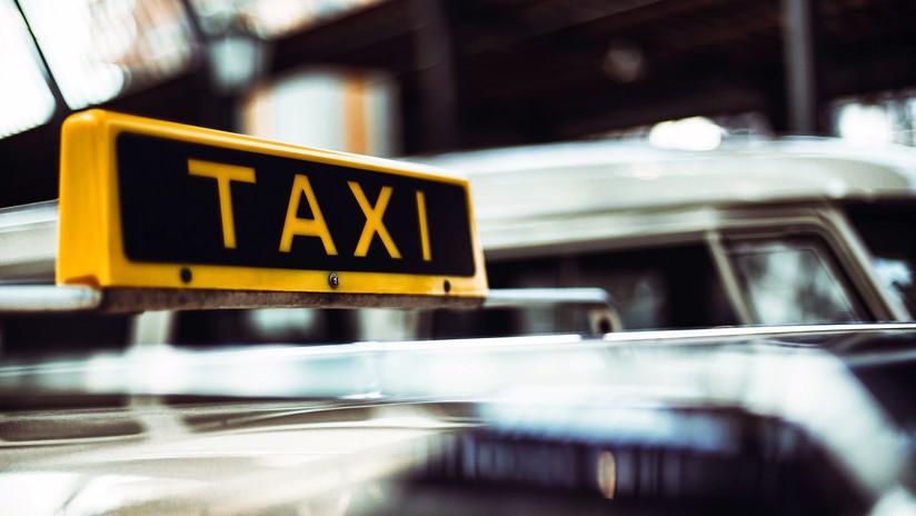 Estafa a un taxista en Ciudad de México sin percatarse de que la estaban grabando (VIDEO)