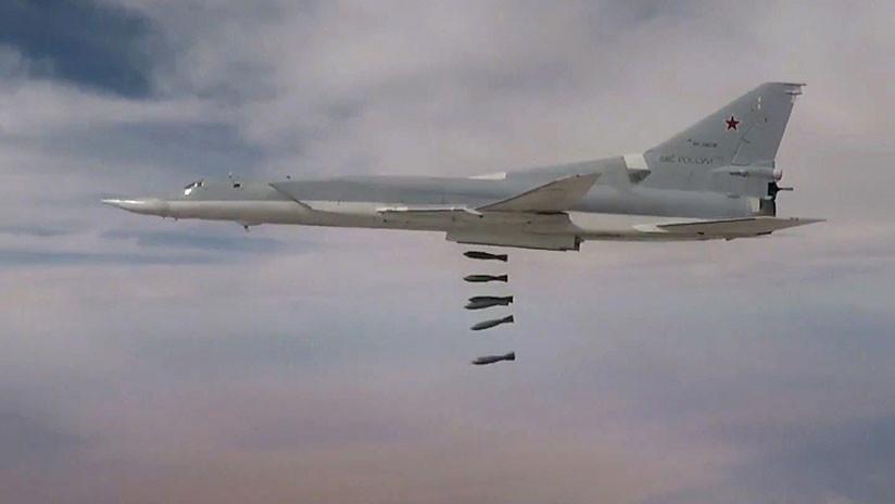 Un grupo de bombarderos pesados rusos lanza un ataque concentrado contra el EI en Siria