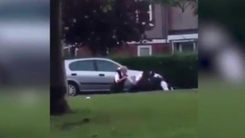 VIDEO: Policía 'noquea' brutalmente a un boxeador que intentaba tragarse unas bolsas de cocaína