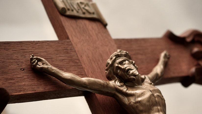 FOTOS: Hallan una cápsula del tiempo dentro de una escultura de Cristo del siglo XVIII