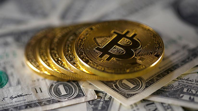 El precio de Bitcóin rompe por primera vez la barrera récord de los 10.000 dólares