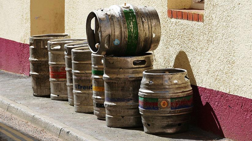 VIDEO: Cómo no se debe robar un barril de cerveza