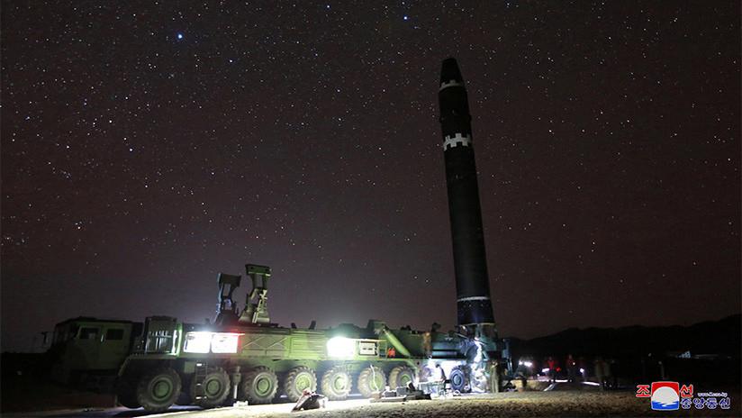 Pionyang publica las primeras fotos de su último misil, capaz de alcanzar cualquier parte de EE.UU.