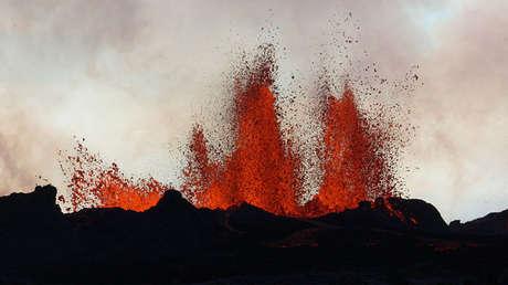 Erupción de una fisura cerca del volcán de Bardarbunga en 2014.