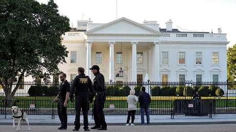 Agentes del Servicio Secreto, de guardia en las afueras de la Casa Blanca, el 28 de octubre de 2017.