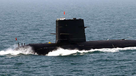 Un submarino chino durante unos ejersicios conjuntos con Rusia, el 26 de abril de 2012.