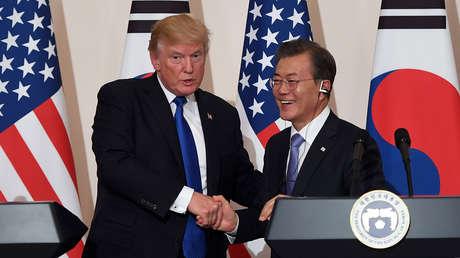 El presidente de EE.UU., Donald Trump,y su homólogo surcoreano, Moon Jae-in.