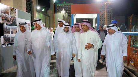Bakr bin Laden (segundo de la derecha), presidente del Saudi Binladin Group.