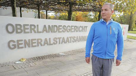 Saúl Luciano Lliuya frente al Tribunal Superior de Hamm.