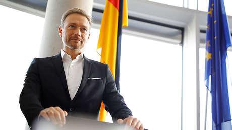El líder del Partido Demócrata Libre de Alemania, FDP, Christian Lindner asiste a una reunión en Berlín, Alemania, 20 de octubre de 2017.